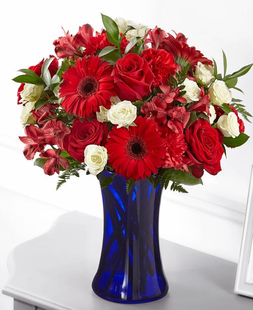 FTD Hearts Embrace Bouquet